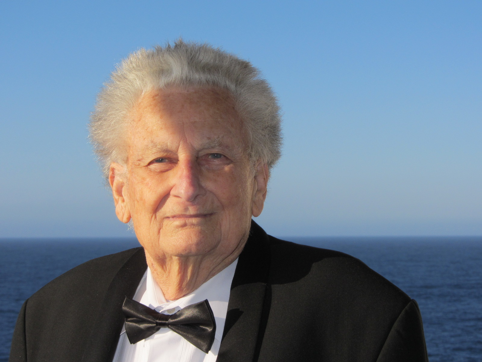 Pierre black tie
